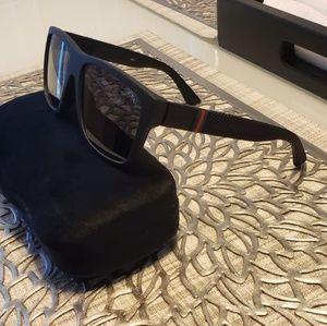 Gucci Sunglasses (GG1124)